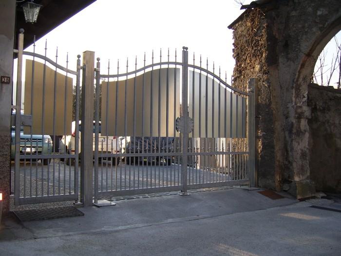 Cancello Esterno Moderno : Scale a chiocciola scale su misura ringhiere e cancelli a brescia